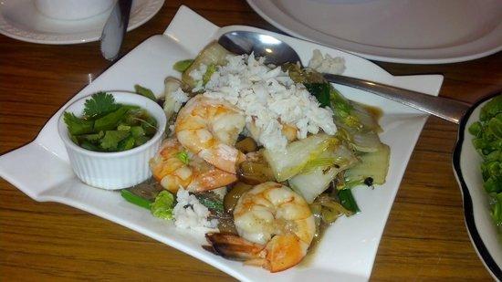 Thunwa Thai Cuisine :                   Cellophane noodles w/ shrimp & flaked crabmeat