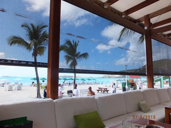 Ocean Lounge: seat with a view