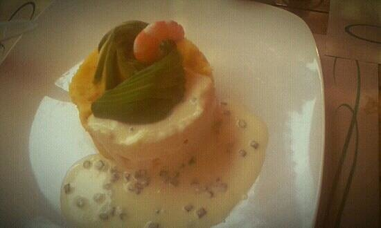 Antojos Restaurant:                                     causa de camarón