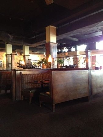 Harry's Seafood Bar & Grille: inside