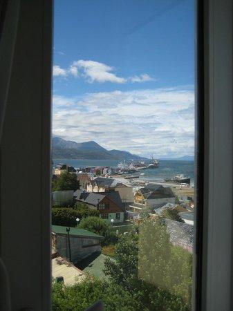 Fueguino Hotel Patagonico:                   Vista desde la habitación hacia el Puerto