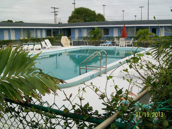 Park View Motel:                   Pool