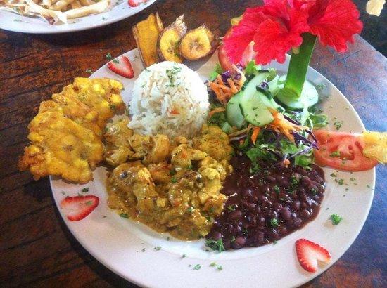 Sol Del Caribe: Casado de Pollo