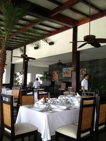 Gaia Hotel & Reserve: Classy restaurant
