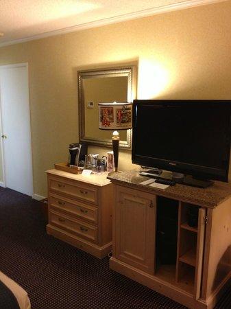 Waterfront Hotel, a Joie de Vivre hotel: TV