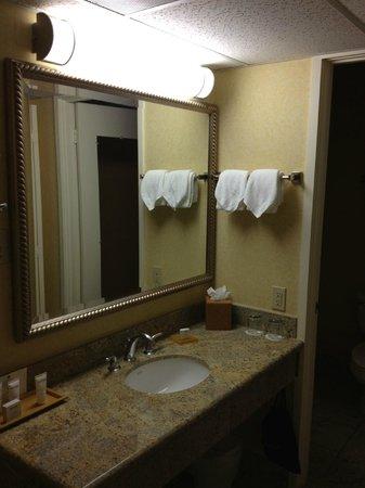 Waterfront Hotel, a Joie de Vivre hotel: Bathroom