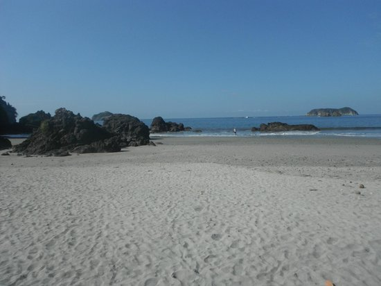 Gaia Hotel & Reserve: Beach at entrance to Manuel Antonio Park (10-min drive from hotel)
