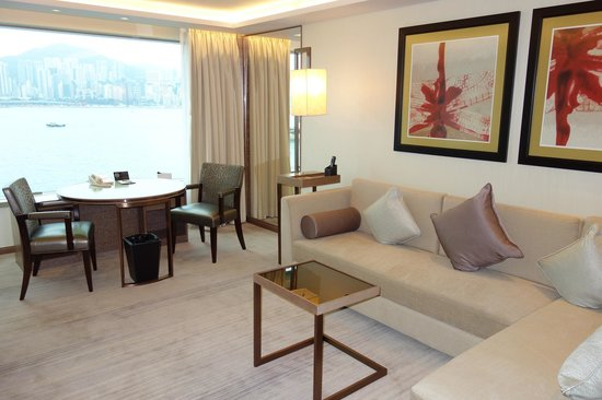 InterContinental Grand Stanford:                   Living (Premier Harbour View Suite)