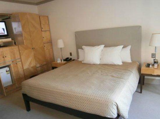 Amora Hotel Jamison Sydney:                   Deluxe King