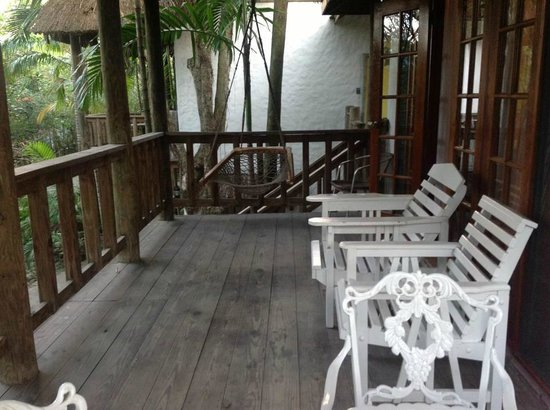 Kuyaba Hotel & Restaurant - Negril:                   large balcony with swing