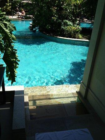 Padma Resort Legian:                   Pool access