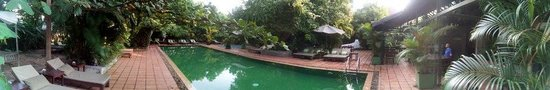 The Kabiki: panoramic pool shot