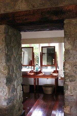 Gibb's Farm: Bathroom mirrors and sinks