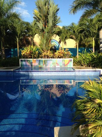 Alma del Pacifico Beach Hotel & Spa: Beautiful pools