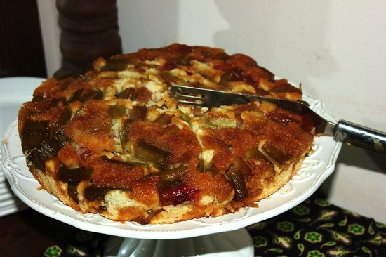 Gibb's Farm: A great rhubarb cake