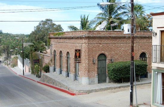 Todos Santos Inn: Exterior of the hotel