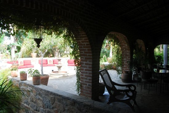 Todos Santos Inn: Courtyard Entrance