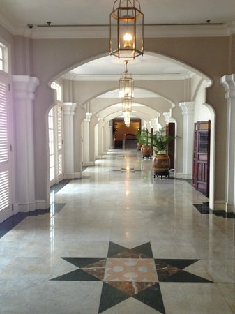 Eastern & Oriental Hotel:                   Historic Hotel