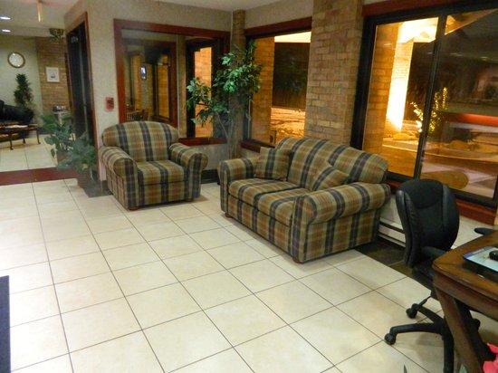 Baymont Inn & Suites Port Huron : Lobby