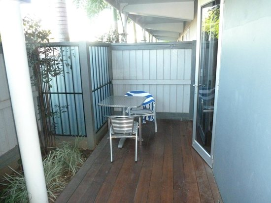 Sovereign Resort Hotel Cooktown :                   Patio on street