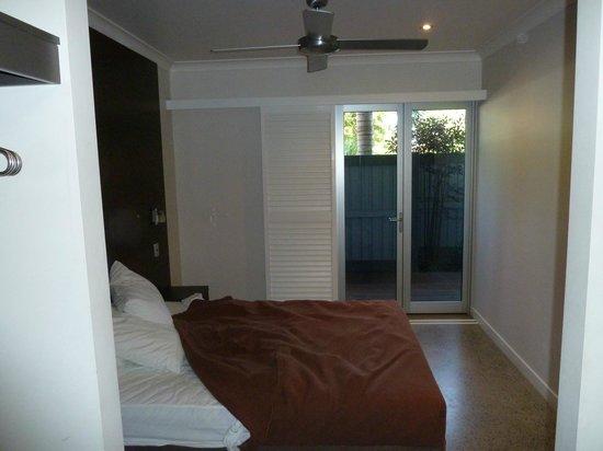 Sovereign Resort Hotel Cooktown :                   Front bedroom