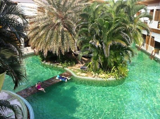The Hideaway Resort :                   Pool
