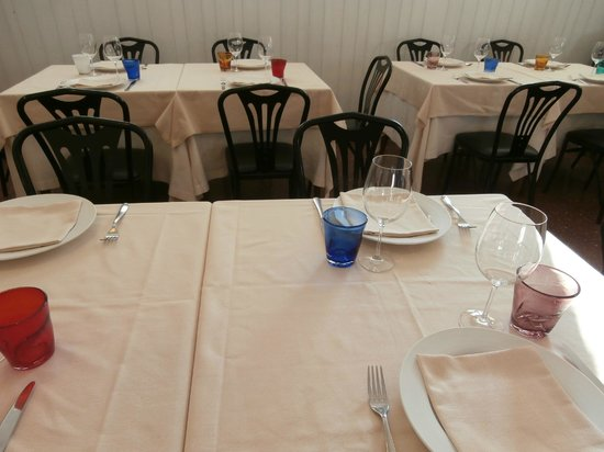 Trattoria Da Cesare: Detail of the table settings