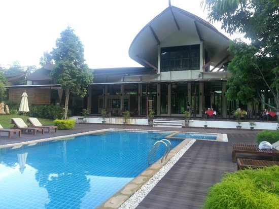 Aonang Phu Petra Resort, Krabi Thailand:                   view of the main bulding
