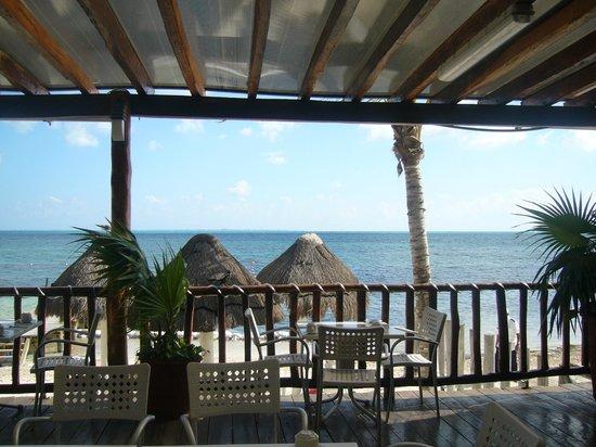 Holiday Inn Cancun Arenas:                   Terraza comedor