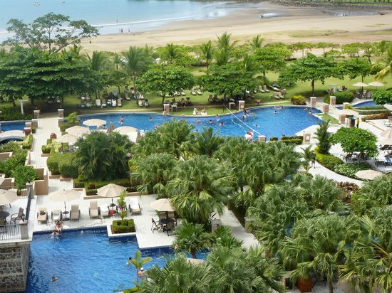 Los Suenos Marriott Ocean & Golf Resort:                   Area de piscina