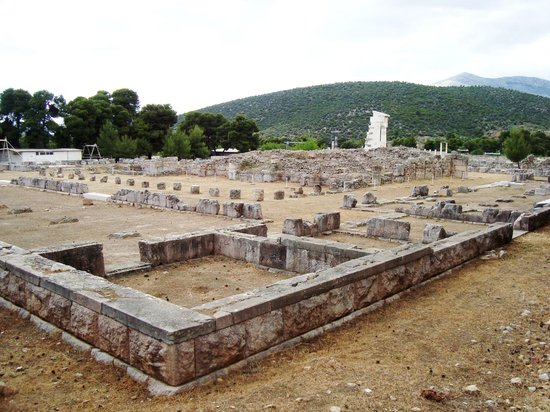 Epidaurus Theater: Ruins at the Sanctuary of Asklepious