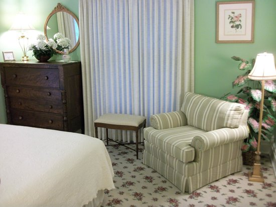 Hardy's Bed and Breakfast Suites: All bedroom are designed for comfort