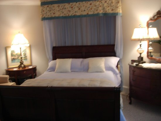 Hardy's Bed and Breakfast Suites: Luxurious and comfortable sleeping