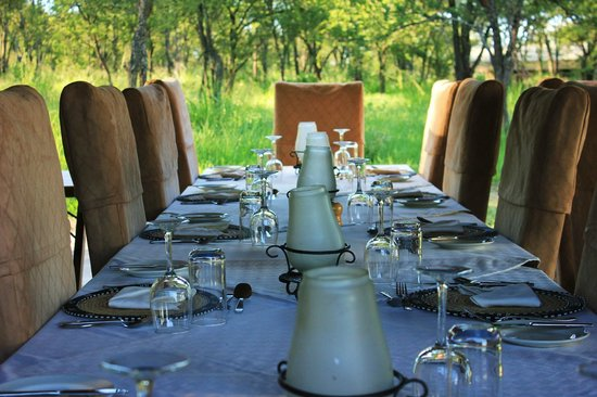 Dunia Camp, Serengeti:                   The communal dinner table