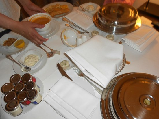 Hyatt Regency London - The Churchill:                   Room Service