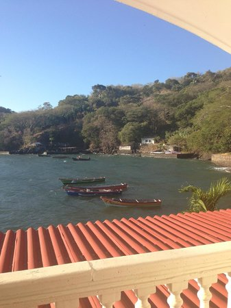 Hotel La Joya del Golfo:                   View of the other people who live nearby -- not many