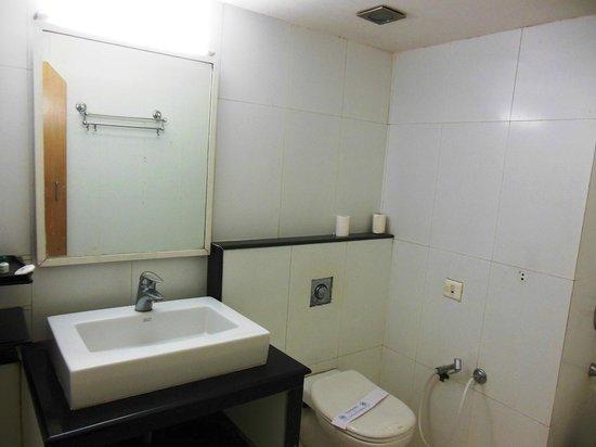 Hotel Ilapuram:                   Bathroom