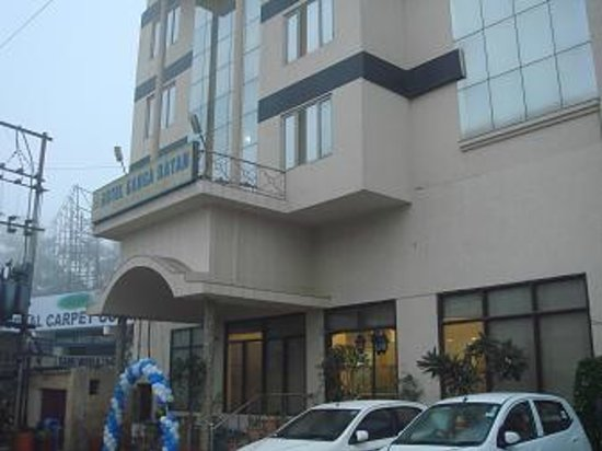 Hotel Ganga Ratan:                   outside
