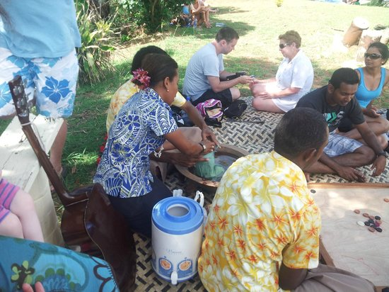 Plantation Island Resort: Kava while you wait out the Tsunami warning