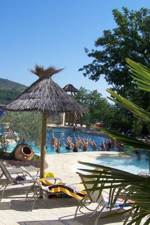 Domaine Des Chenes:                                                       la piscine
