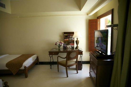 Taj Exotica Resort & Spa Goa:                   номер