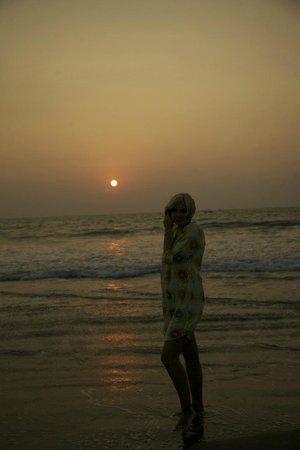 Taj Exotica Goa:                   пляж и туника купленная в отеле