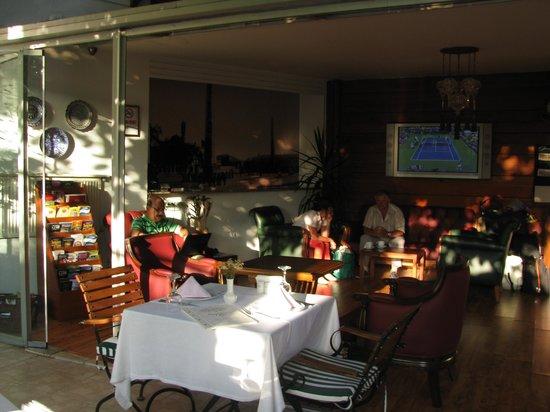 Garden House Istanbul:                   Wohnzimmer