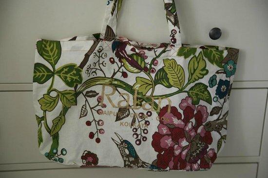 Taj Exotica Goa:                   подарочная сумка