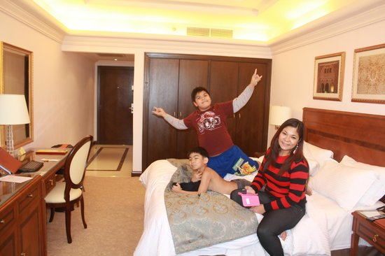 Al Gosaibi Hotel: In our Family Room 2nd Floor with Seaside View
