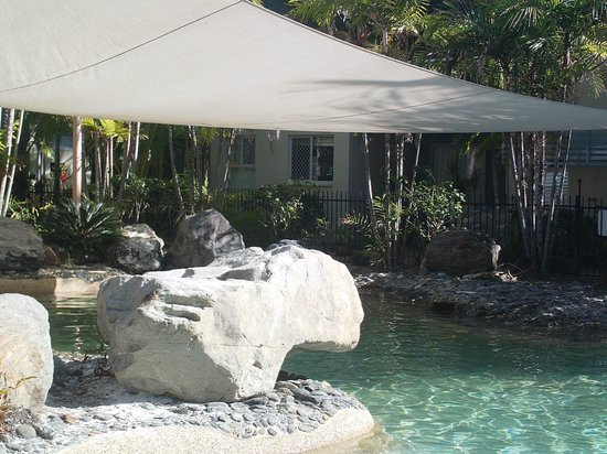 Marlin Cove Holiday Resort: LOVELY POOL