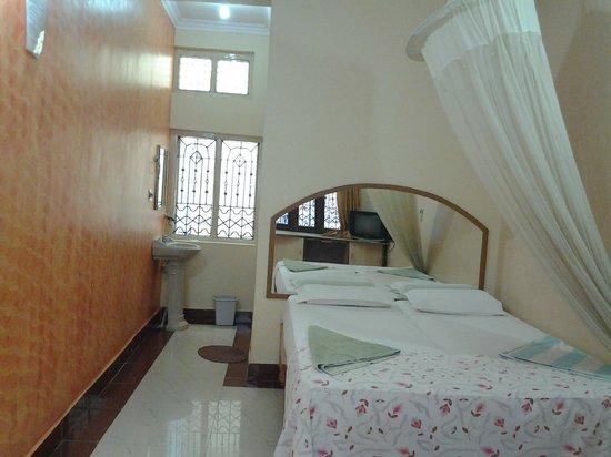 Lakshmi Heritage Tourist Home :                   room