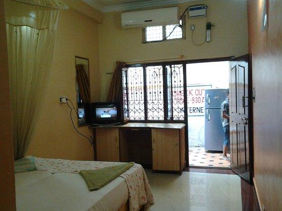 Lakshmi Heritage Tourist Home :                   Luggage and tv