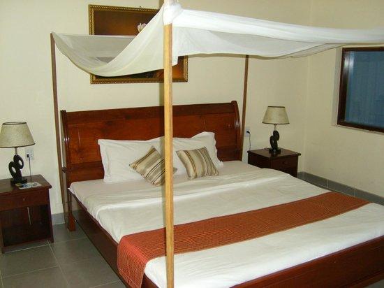 Sea Star Resort Phu Quoc: lit king size avec moustiquaire