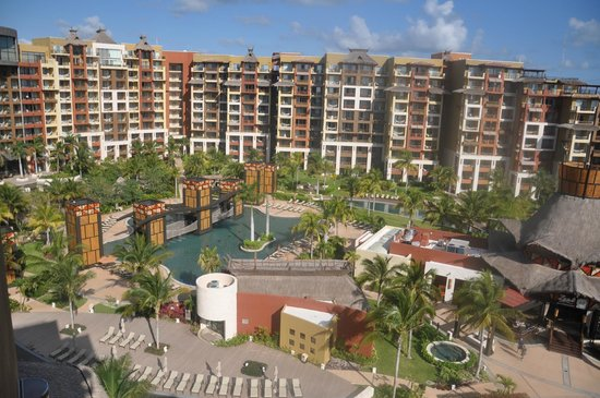 Villa del Palmar Cancun Beach Resort & Spa:                   View from the penthouse during our tour